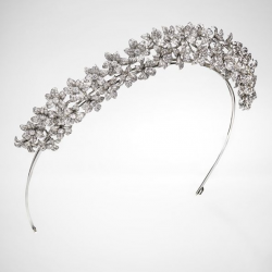 MELLERIO DITS MELLER-tiare-collection 400e anniversaire-diamants-or banc