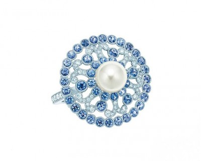 TIFFANY & Co-Collection 2014 Blue Book-Bague-perles-diamants-saphirs