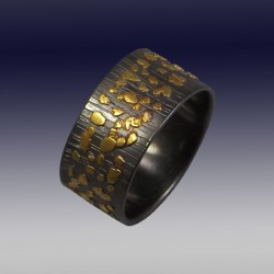 VAATZ Wolgang-Band in oxidized sterling silver, gold nuggets