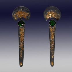 VAATZ Wolgang-Earrings with gold nuggets fused on sterling silver, oxidized chrome diopsides