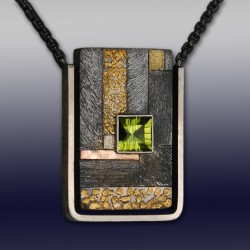 VAATZ Wolgang-Pendant gold nuggets, rose & 14k gold fused on sterling silver, peridot, oxidized sterling silver