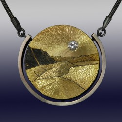 VAATZ Wolgang-Pendant in 18k gold fused on sterling silver, oxidized, white beryl