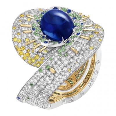 #VAN CLEEF & ARPELS #Sapphire #Cabochon #Diamonds #Tsavorites #WhiteGold #Ring