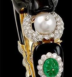 VAN CLEEF & ARPELS-diamant-onyx-perle-emeraude