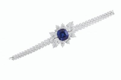 VAN CLEEF ARPELS-sapphire 43,10ct-diamonds-$6,030,000-Sotheby's auction