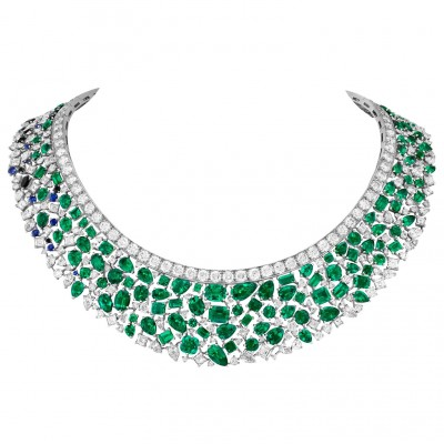 #VAN CLEEF and ARPLES #necklace #whiteGold #Emeralds #Saphires #Diamonds #2021