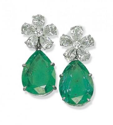 VAN ClEEF & ARPELS-émeraudes-diamants-boucles d'oreilles