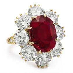 VAN ClEEF & ARPELS-8.24 carat-rubis-diamant-bague