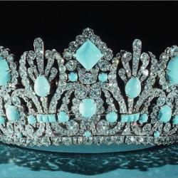 VAN ClEEF & ARPELS-Cadeau de mariage de Napoleon à l'Imératrice Marie Louise-Emeraudes remplacées en 1952 par des turquoise d'Iran