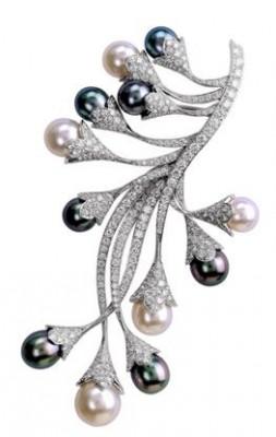 VAN ClEEF & ARPELS-Clip Asphodele-perles blanches-perles grises-diamants