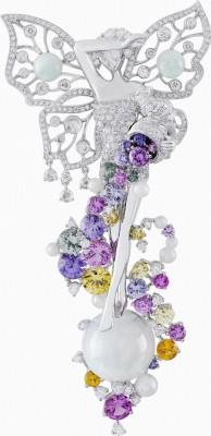 VAN ClEEF & ARPELS-Clip Fortuna clip-Collection Palais de la chance-or blanc-diamants-opales blanches-saphirs de couleurs-perles blanches diamants taille rose