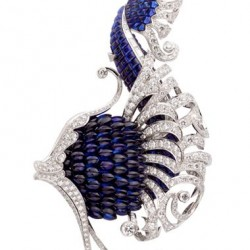 VAN ClEEF & ARPELS-Clip Illiade-Collection l'Atlantide-or blanc-saphirs-diamants