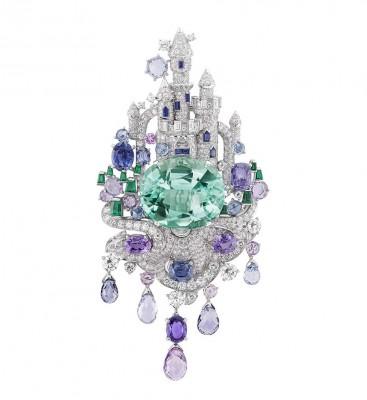 VAN ClEEF & ARPELS-Collection Château enchanté de Peau d'Âne-broche-diamants-émeraudes-saphirs-émeraude 39carat