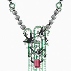 VAN ClEEF & ARPELS-Collection Palais de la Chance-or blanc-diamants-émeraude-tsavorite-diamants-onyx-laque-perle-chrysoparse tourmaline