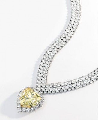 VAN ClEEF & ARPELS-Fancy Intense Yellow Diamond (47.14 carats)-diamant-collier
