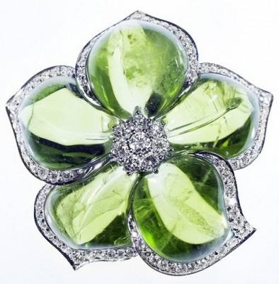 VAN ClEEF & ARPELS-Peridot-diamant-broche fleur