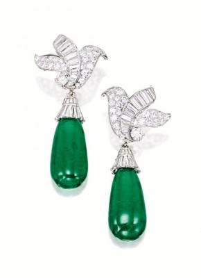 VAN ClEEF & ARPELS-boucles d'oreilles-émeraudes-diamants