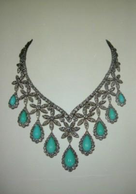VAN ClEEF & ARPELS-collier-diamants-turquoises