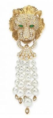 VAN ClEEF & ARPELS-diamant-émeraude-perle de culture-broche