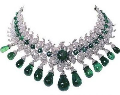 VAN ClEEF & ARPELS-diamants-émeraudes-collier