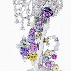 VAN ClEEF & ARPELS-or blanc-diamants-opales-saphirs de couleurs-perles