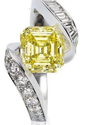 VAN ClEEF & ARPELS-pavage de diamants jaunes-diamants taille baguette