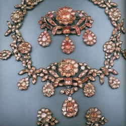 parrure-topaze rose-style geogien-circa 1741-1830