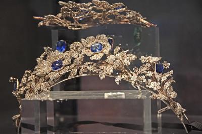 Tiare et ornement de cheveux en diamants et saphirs. circa1840.