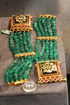 Bracelet origine indienne emeraudes, rubis, diamants, email