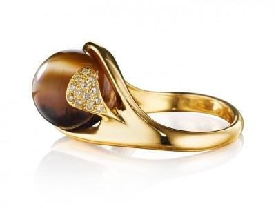 #NAOMI SARNA #Ring #Cat's Eye Opal #Diamonds #18-karat Yellow Gold#OpaleOeilDeChat #Diamant #Or