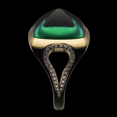 BEN DAY-ring-sugar loaf emerald-diamonds