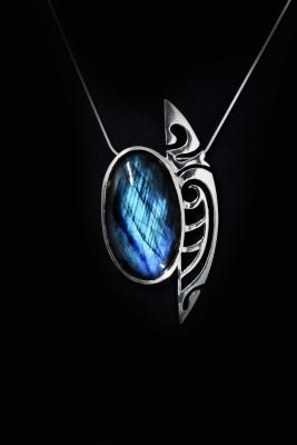 IRIATAI-collier-labradorite-argent-motif-océanien-création-unique-iriatai-nc-(1)