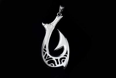 IRIATAI-hamecon-argent-motif-océanien-sur-mesure-création-unique