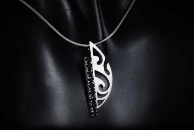 IRIATAI-pendentif-spinelle-noir-argent-oceanien-model-unique-