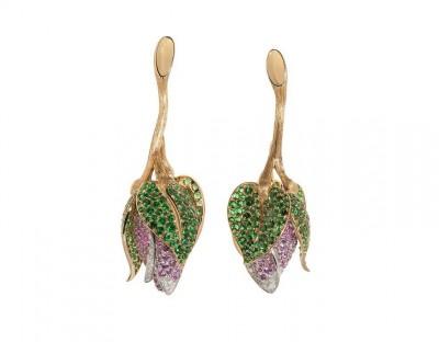 #NUUN #'BLOSSOMS Earrings' #Tsavorites #Diamonds #PInk Sapphires #Diamants #Saphirs roses #Boucles d'oreilles