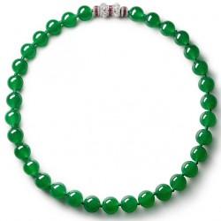12 octobre 2021: 2,589,037 pour un collier en jade